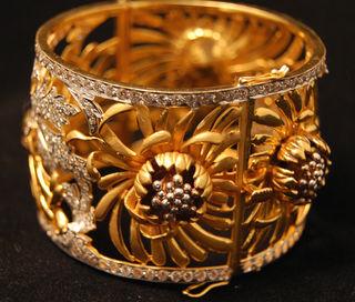 Solo gold bracelet